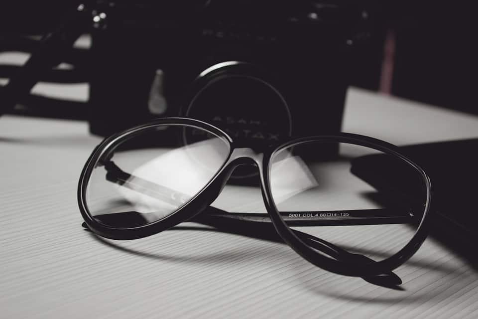 7af86b6ef44d Syv grunner til at du IKKE skal kjøpe billige briller eller ...
